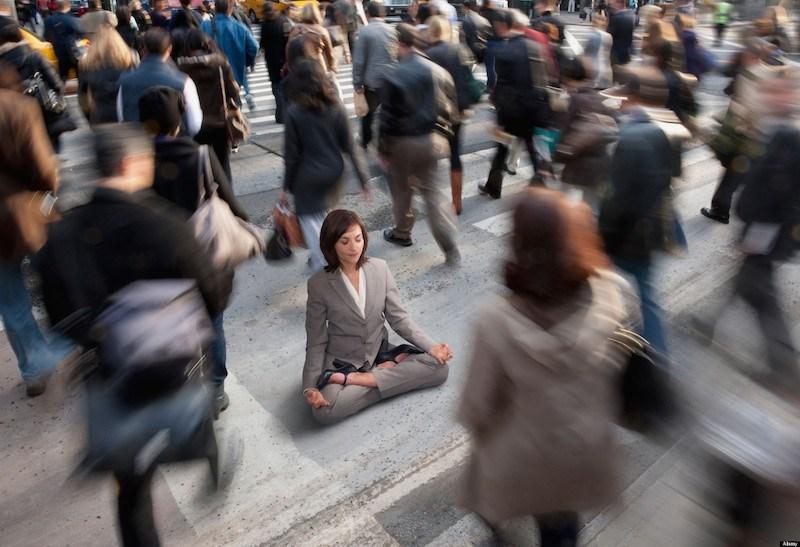 умение фокусироваться_медитация в толпе